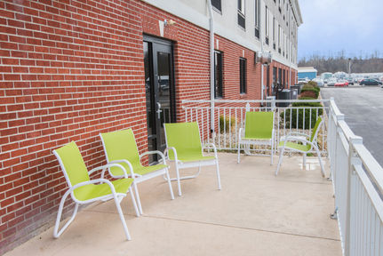 Holiday Inn Express Suites - Ashland Kentucky